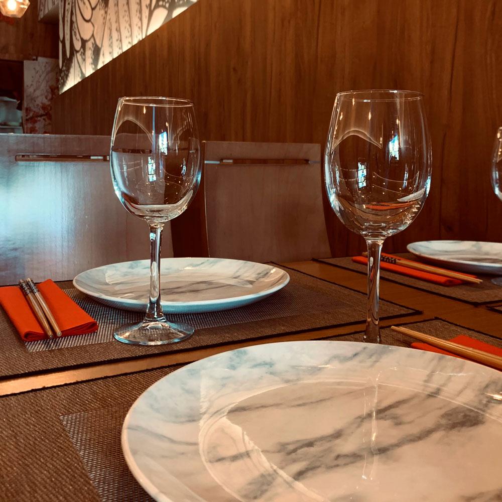Detalle servicio de mesa restaurante japonés Yamazaki